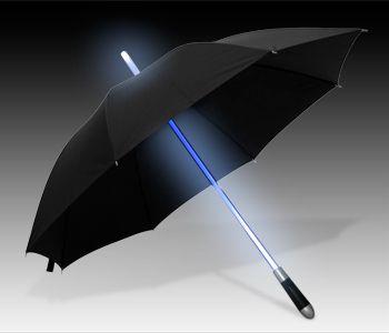 lichtschwert-regenschirm