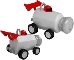 Aufziehbare Rennwagen als Salz- und Pfefferstreuer