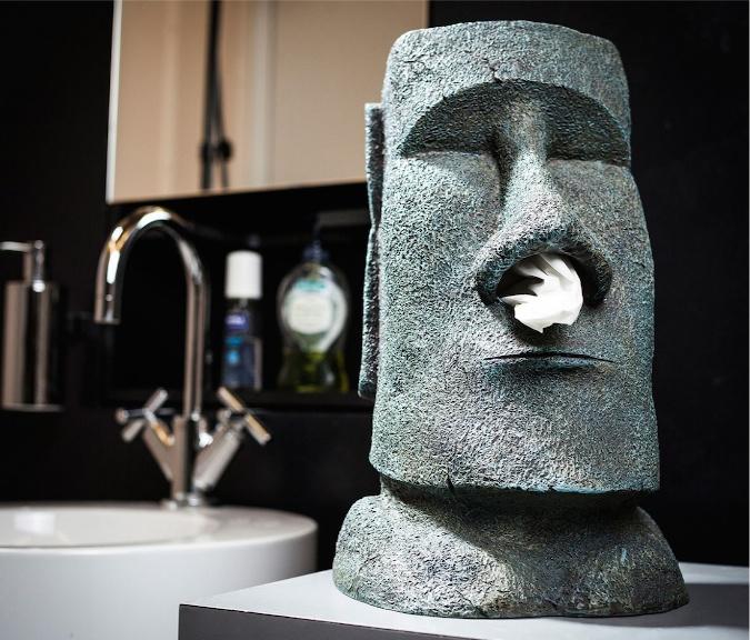 Witziger Taschentuchspender im Moai Steinfiguren-Design