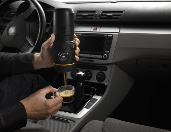 Eine Espressomaschine fürs Auto